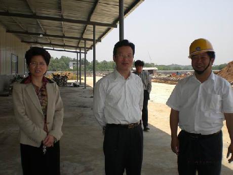 县政府副县长程志翔、张敏丽来公司新厂区指导
